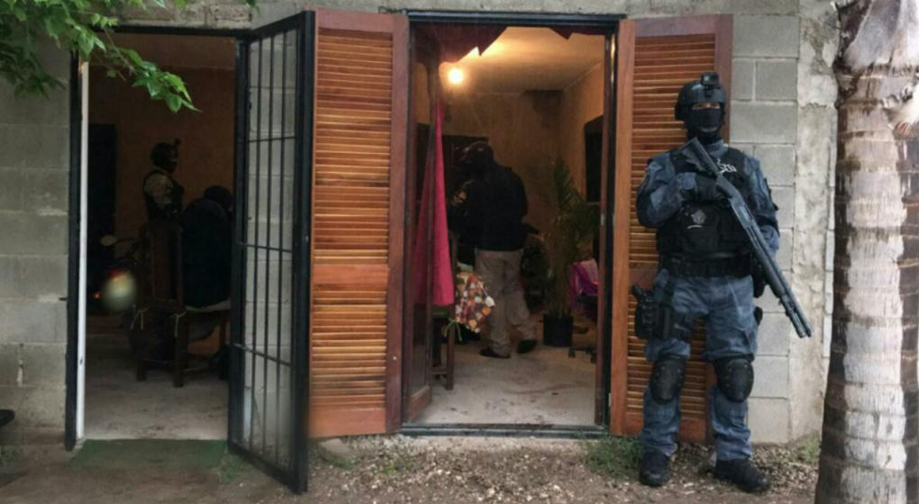 Detienen a hermanos narcos en barrio San Roque