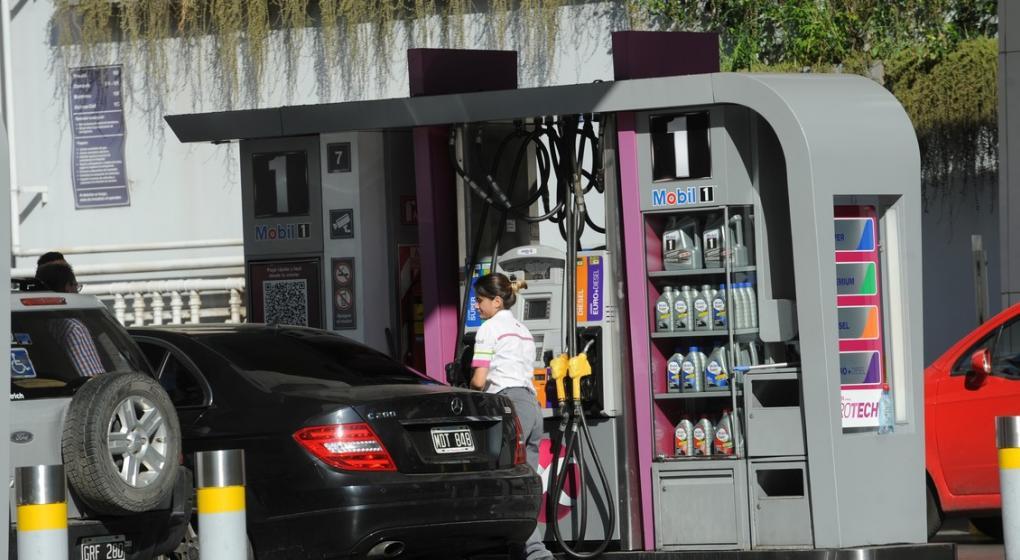 Por la baja del dólar y el petróleo, Axion bajó el precio de sus combustibles