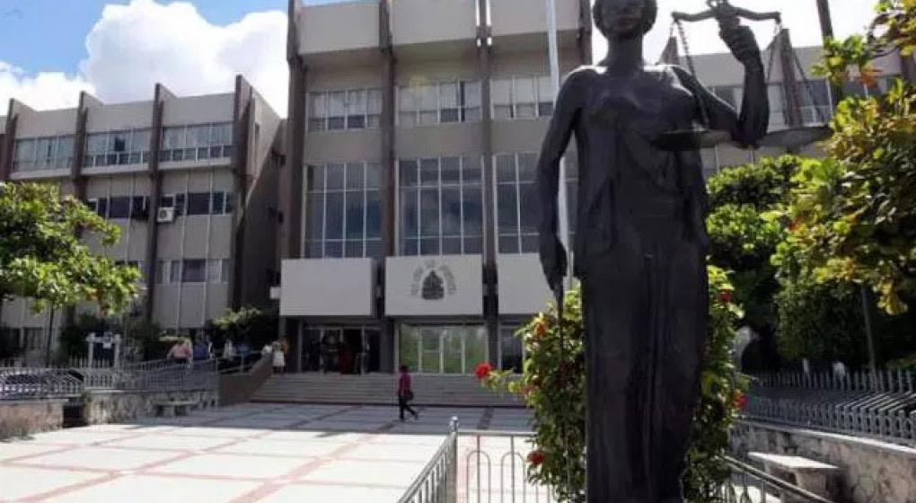 Honduras: ordenan la captura de 38 diputados y funcionarios por corrupción