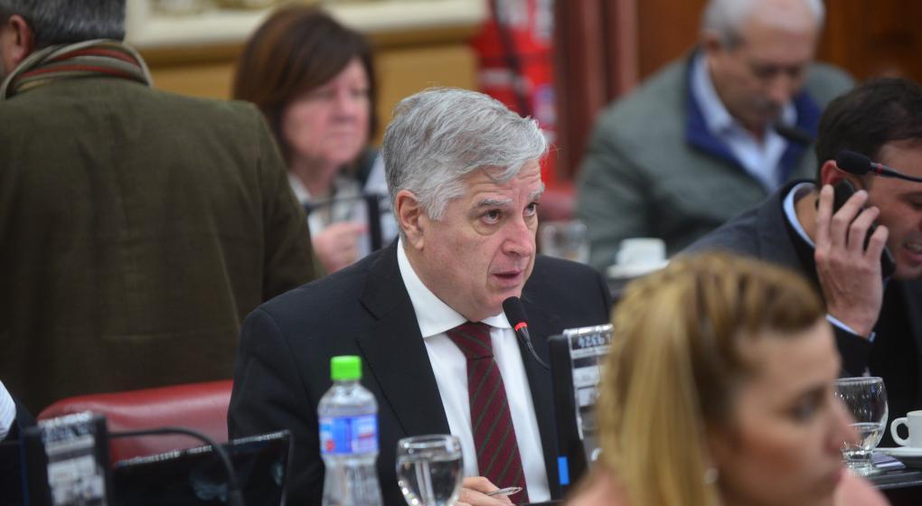 Gutiérrez a Negri: El Gobierno nacional tiene que tomar crédito para tapar agujeros