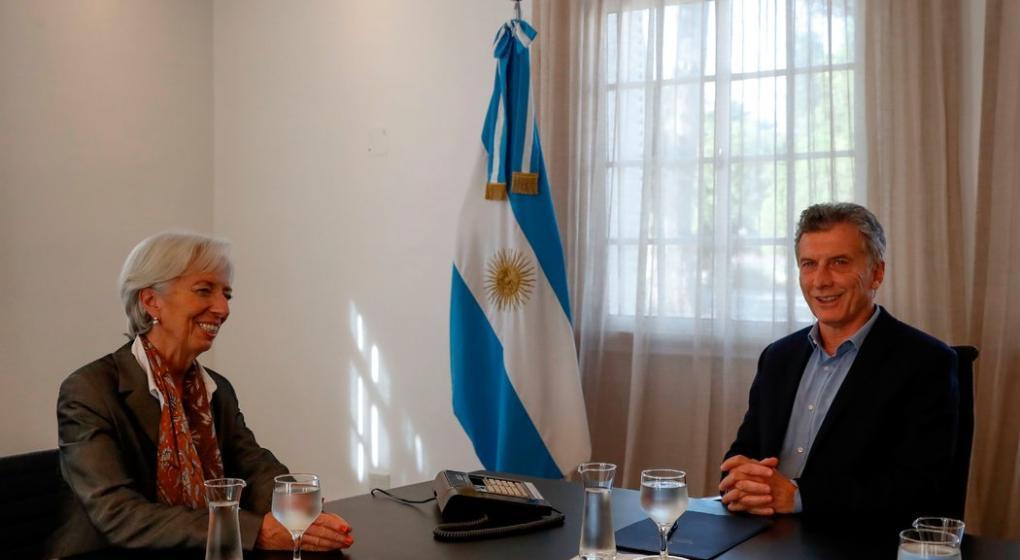 Macri inicia las negociaciones con la oposición por el ajuste