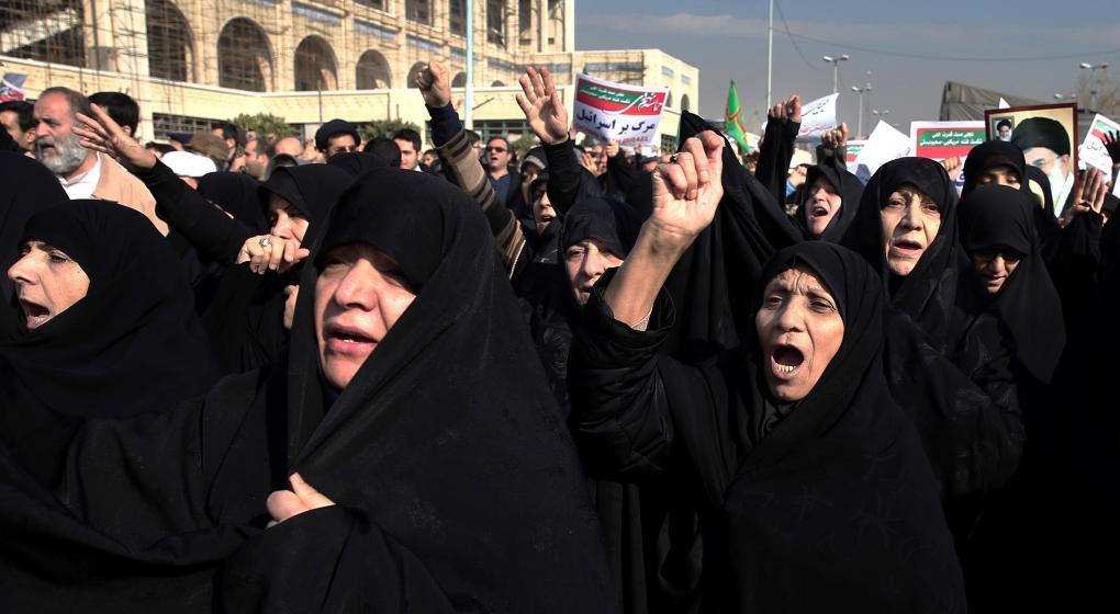 La mayoría de las  iraníes rechaza la obligación de llevar velo