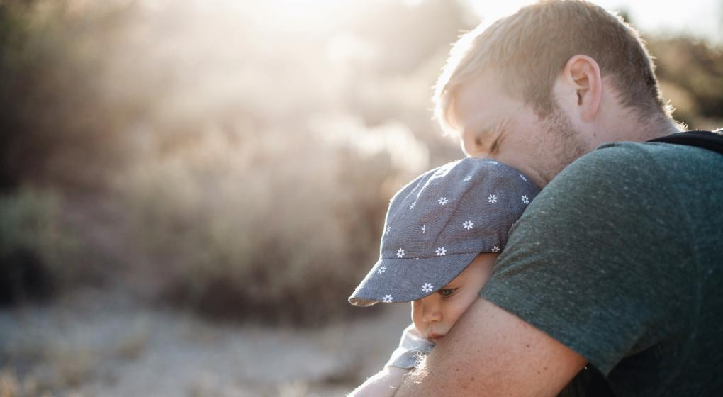 Estudian el estrés crónico en padres de pacientes pediátricos