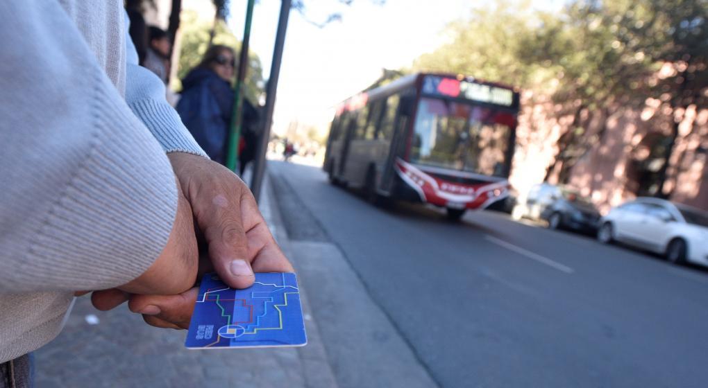 Córdoba: desde la medianoche, el boleto urbano costará $ 23,70