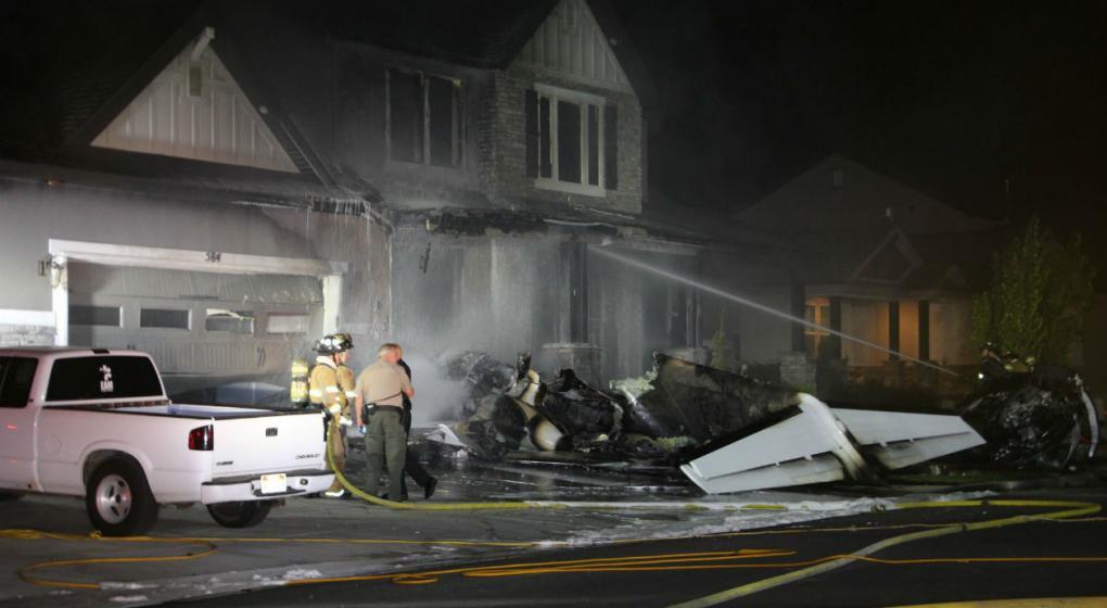 EE.UU.: estrelló una avioneta contra su casa tras agredir a su mujer
