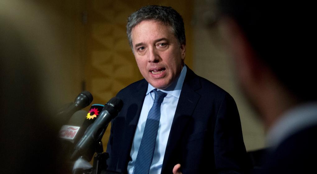 Dujovne no descartó que negocie con el FMI ampliar el préstamo