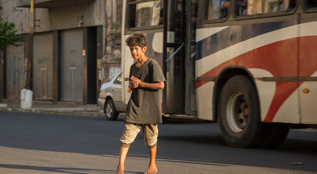 Cómo es el plan de Paraguay para los niños y adolescentes en situación de calle
