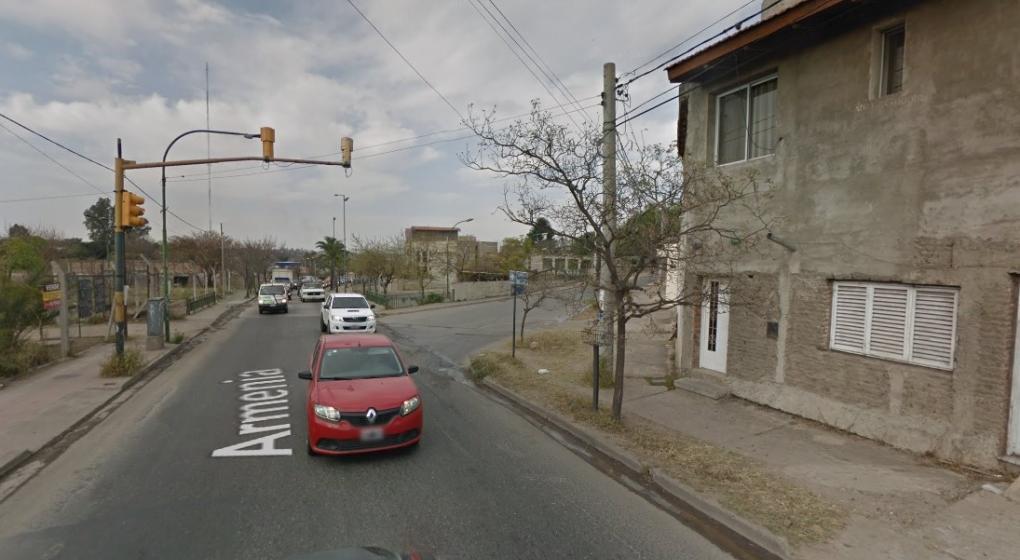 Córdoba: redujeron a una vecina, la asaltaron y huyeron a los tiros