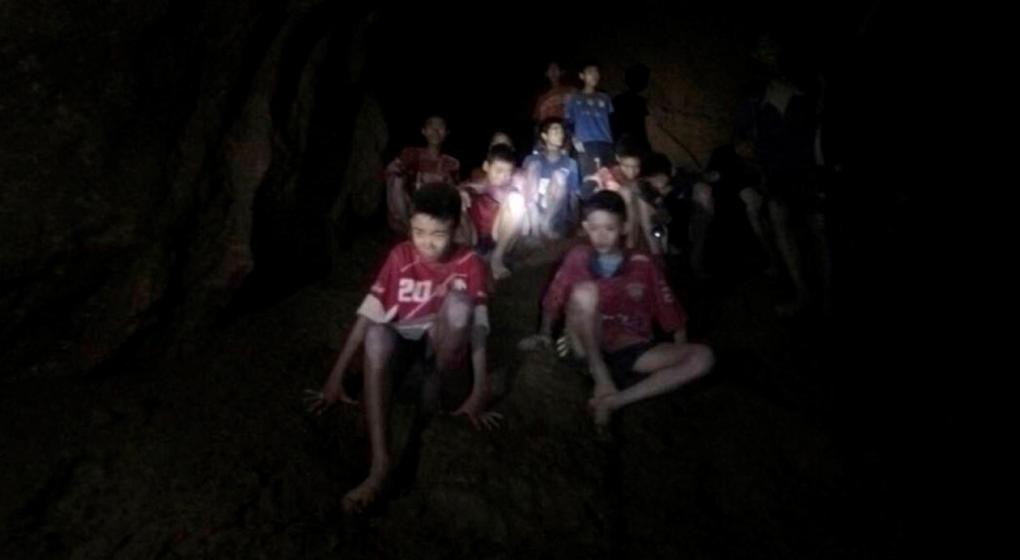 Los atrapados en la cueva de Tailandia no están en condiciones de bucear