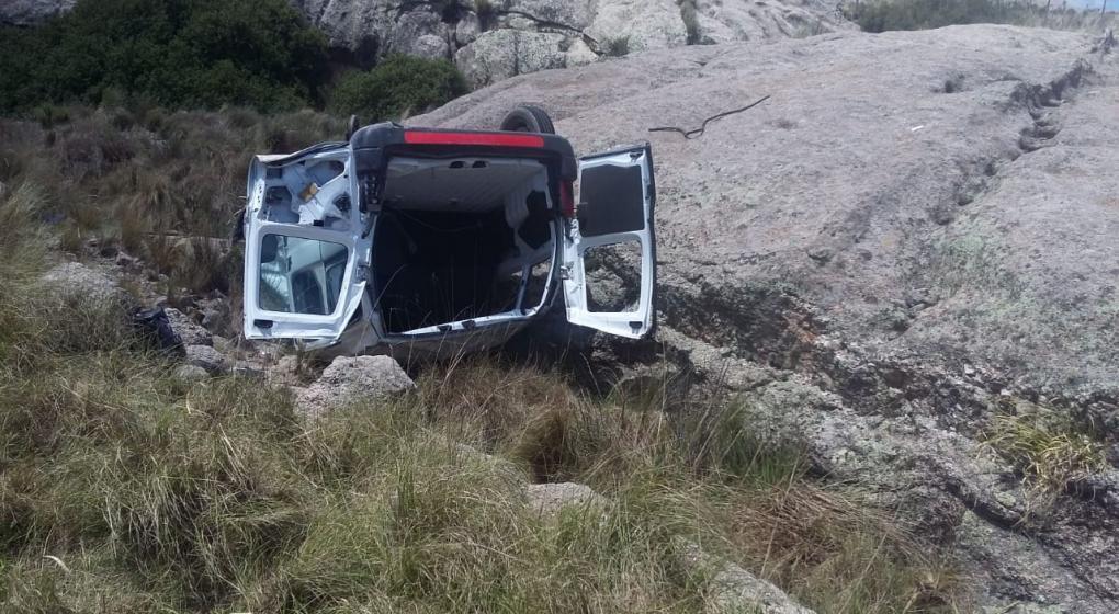 Vuelco trágico en las Altas Cumbres: murió una mujer policía