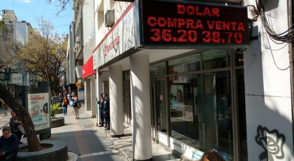 Por qué el Central volvió a vender reservas para bajar el dólar