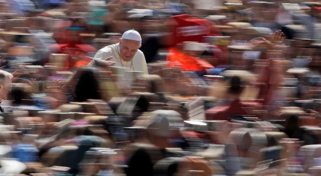 El mensaje de Francisco a 70 mil jóvenes: Nunca abandonen sus sueños