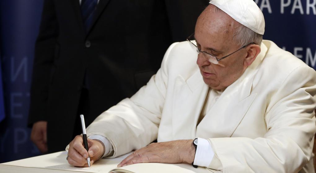 El Vaticano y China firmaron un acuerdo histórico para restituir relaciones rotas hace 70 años