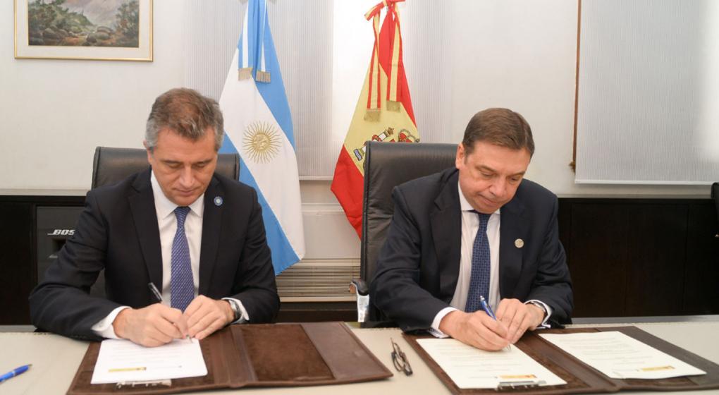 Argentina y España firmaron un acuerdo de cooperación en materia pesquera