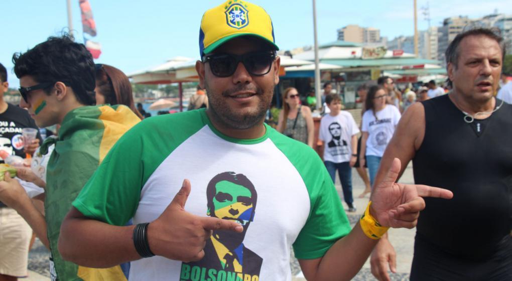 Un nuevo sondeo pone números al posible triunfo de Bolsonaro en Brasil: ¿por cuánto ganaría?