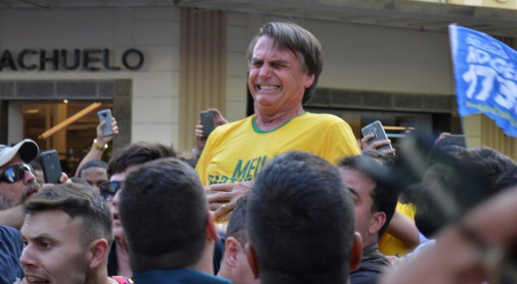 Operaron de urgencia a Bolsonaro, el candidato brasileño que fue apuñalado