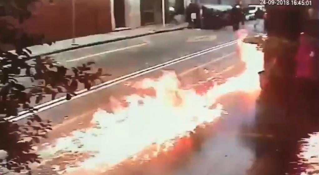 Encapuchados tiraron bombas molotov contra una sede de Gendarmería