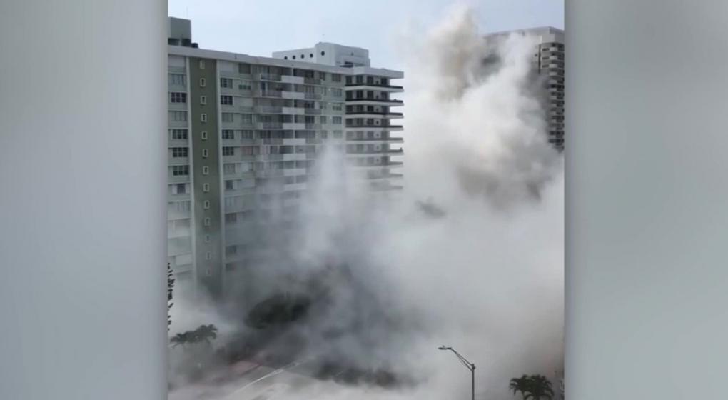 El video que captó un argentino: un edificio se desplomó en Miami y dejó un herido grave