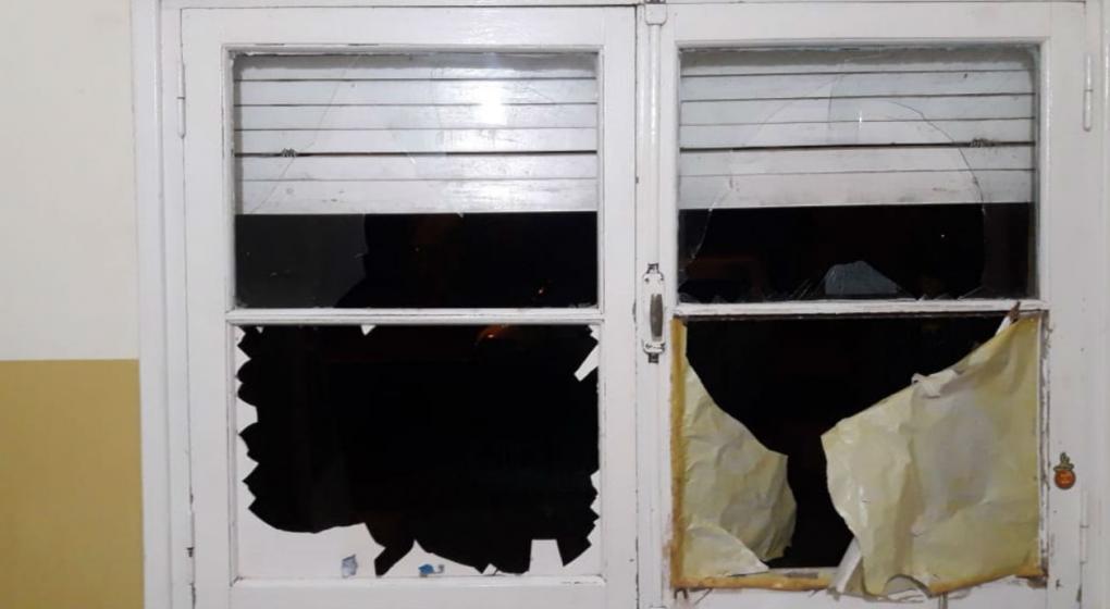 Cañada de Luque: lo asistían en el dispensario, entró en pánico y rompió todo