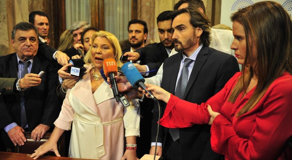 """Después del desaire, Carrió afirmó que Cristina tiene el """"deber moral"""" de ir a la Justicia sin fueros"""