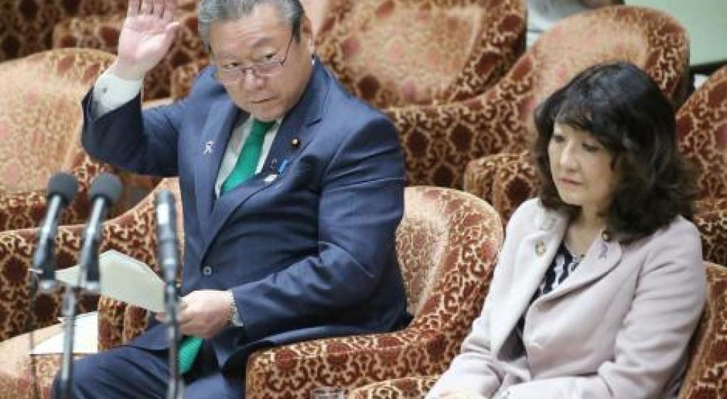 Japón: Yoshitaka Sakurada, el nuevo ministro de Ciberseguridad, confesó que nunca usó una computadora en su vida