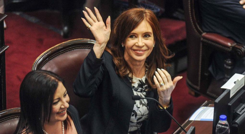 Postergan hasta noviembre la discusión sobre el desafuero de Cristina Fernández