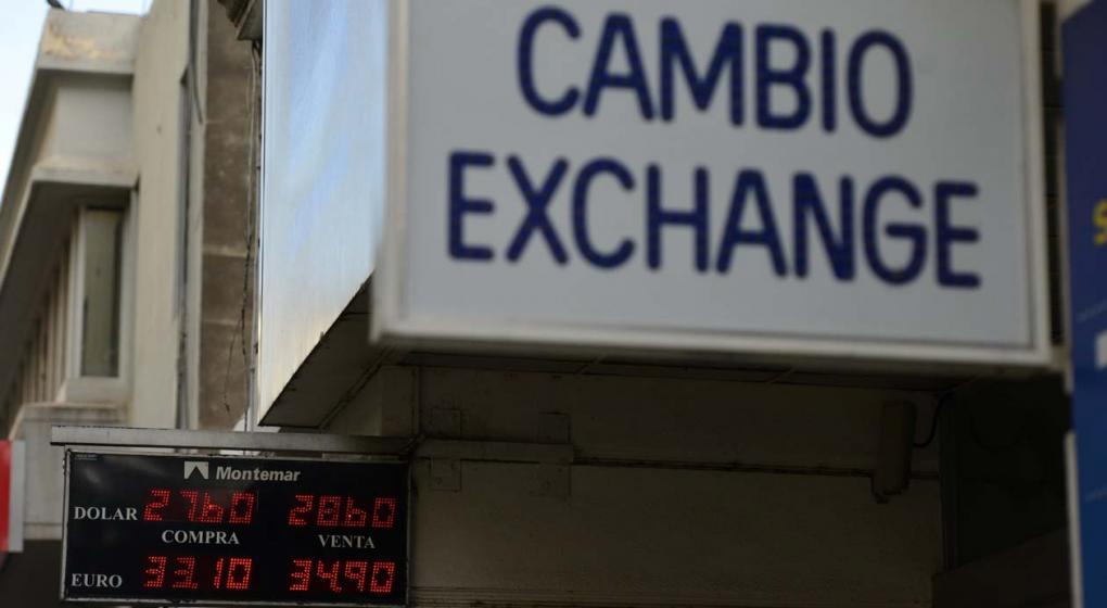 Agosto empezó con una pequeña suba del dólar