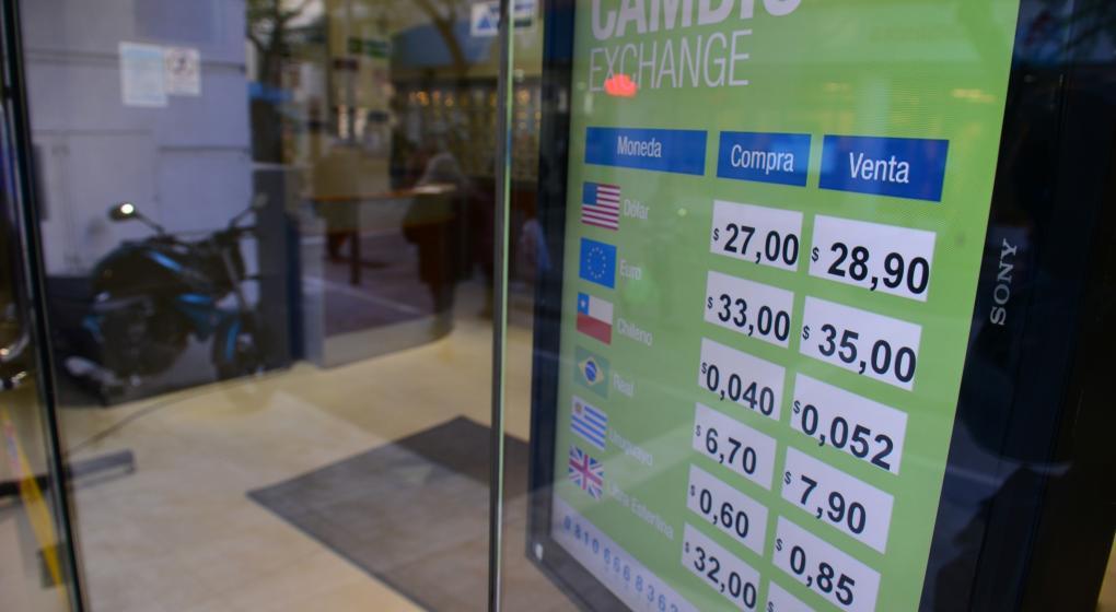 Sin calma: el dólar pisa los $ 29 en la antesala de una semana difícil