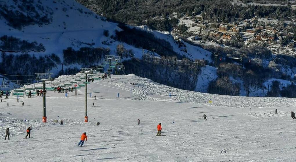 Murió un joven esquiador mientras realizaba pruebas en La Hoya