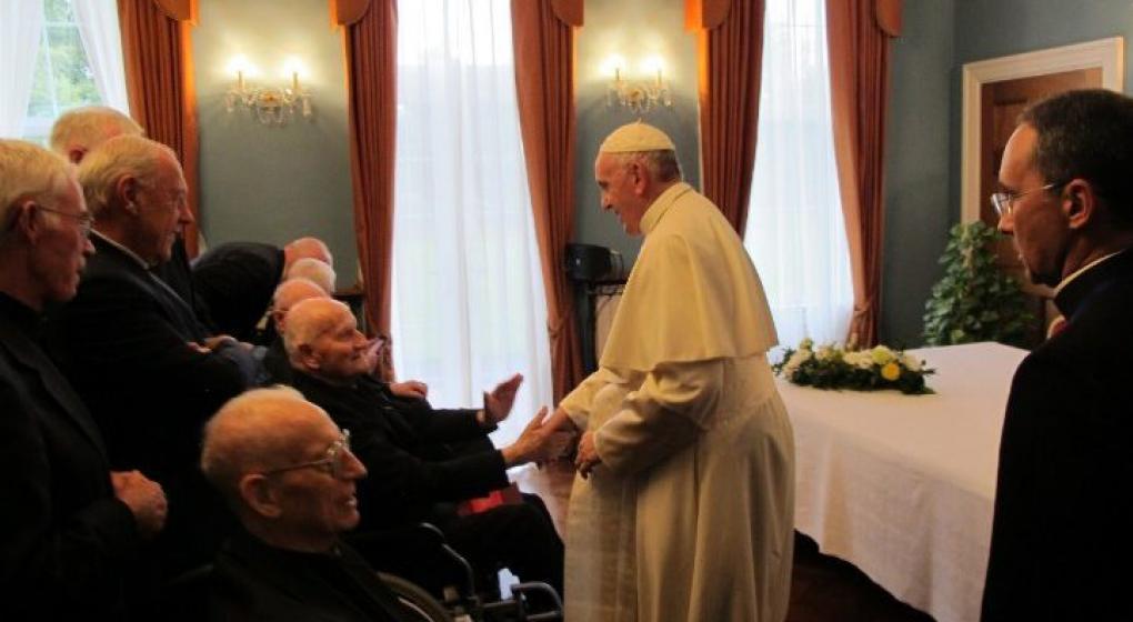 Francisco pidió a la Iglesia irlandesa indemnizar por la causa de la fosa común