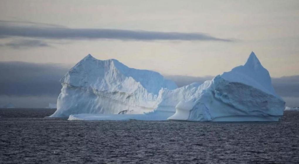 Insólito: proponen arrastrar un iceberg de la Antártida a una ciudad que no tiene agua