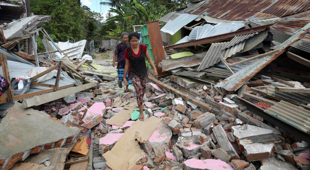 Ya son 105 los muertos por el terremoto de magnitud 6,9 en Indonesia