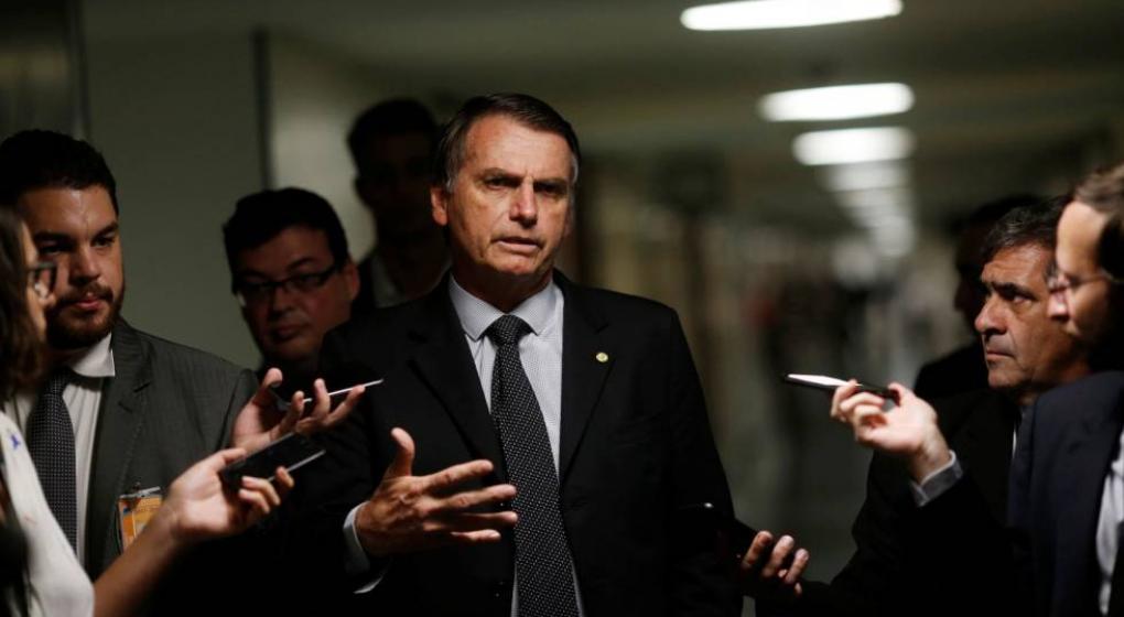 """Bolsonaro amenazó a """"Folha de Sao Paulo"""": Si miente, no tendrá publicidad oficial"""