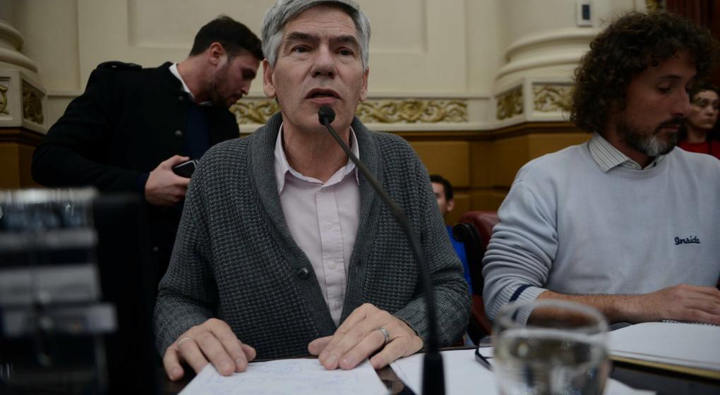 Legislador presentó proyecto para que no se exima a la Iglesia de pagar impuestos