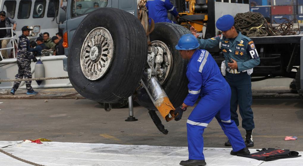 Tragedia anunciada: avión indonesio tuvo problemas en los 4 vuelos previos a estrellarse