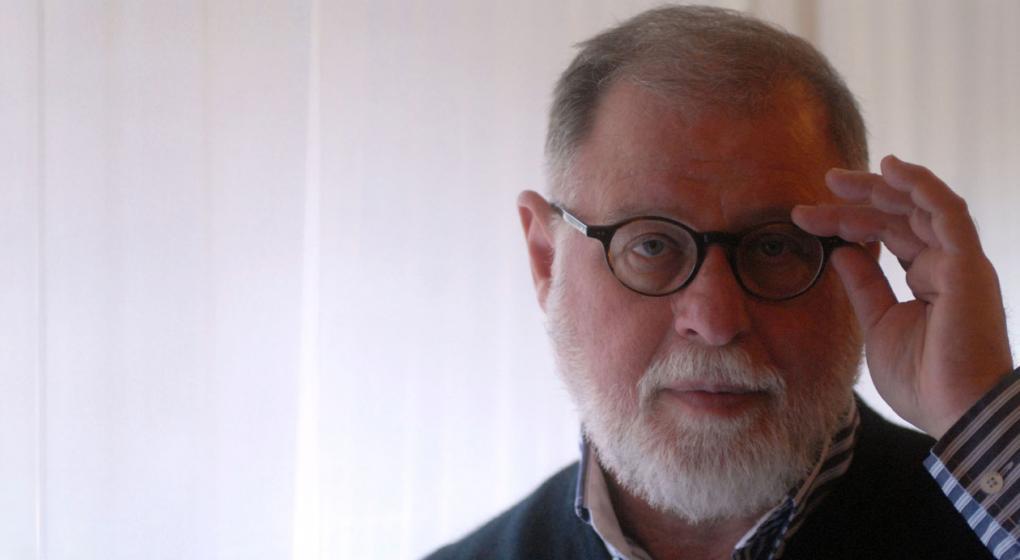 Alberto Manguel renunció a la Biblioteca Nacional y asumirá Elsa Barber