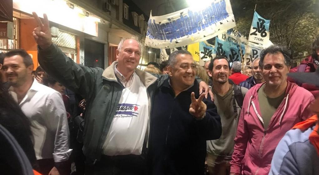 Luis D'Elía encabeza la marcha kirchnerista a la Quinta de Olivos