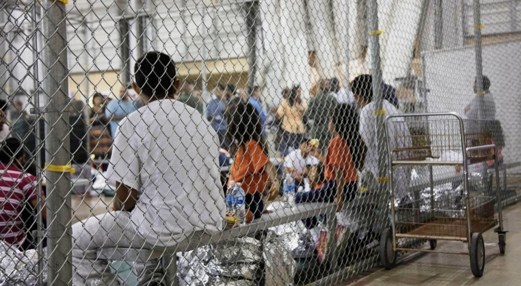 EE.UU. deberá proveer la lista de los padres de menores separados de más de 5 años