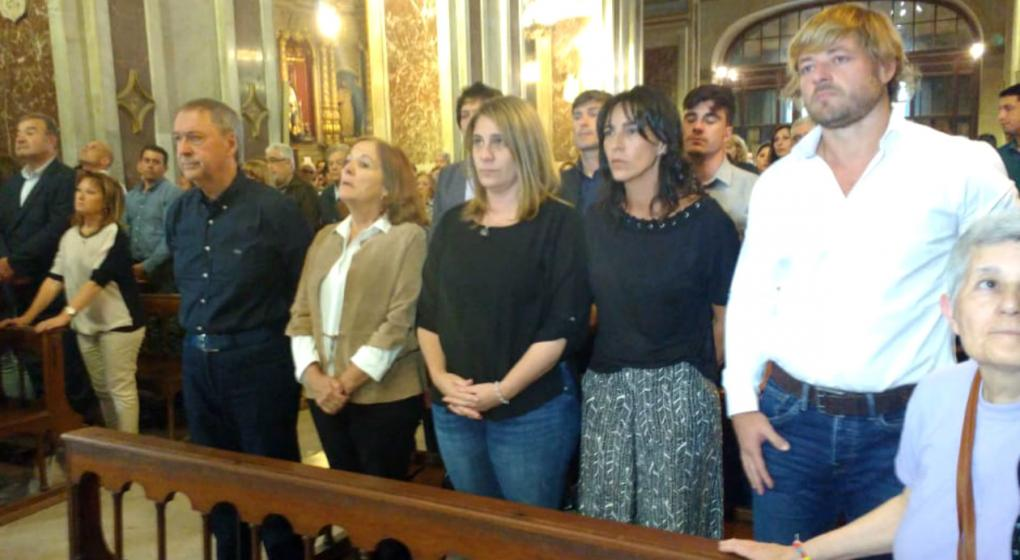 Schiaretti y la familia de De la Sota, en la misa a un mes de la muerte del exgobernador