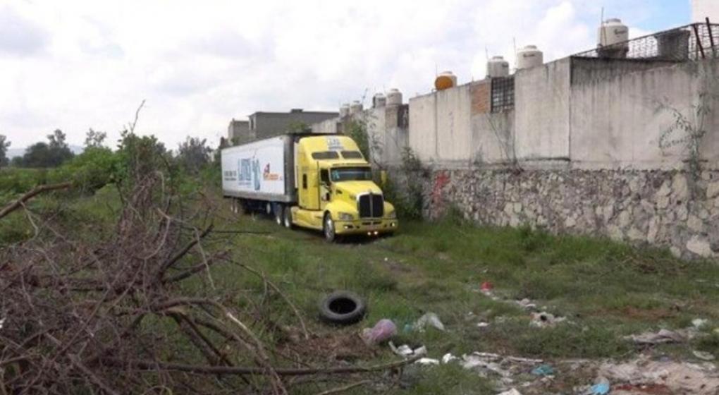 """Encontraron un contenedor con alrededor de 100 cadáveres que """"no cabían en la morgue"""""""