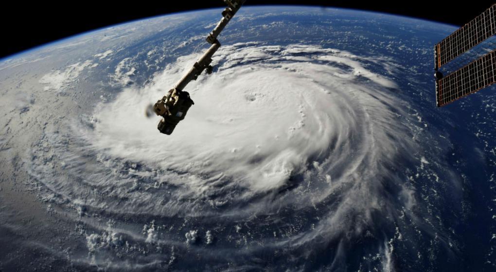 """""""Florence"""" se convierte en huracán de alta categoría y amenaza a EE.UU."""
