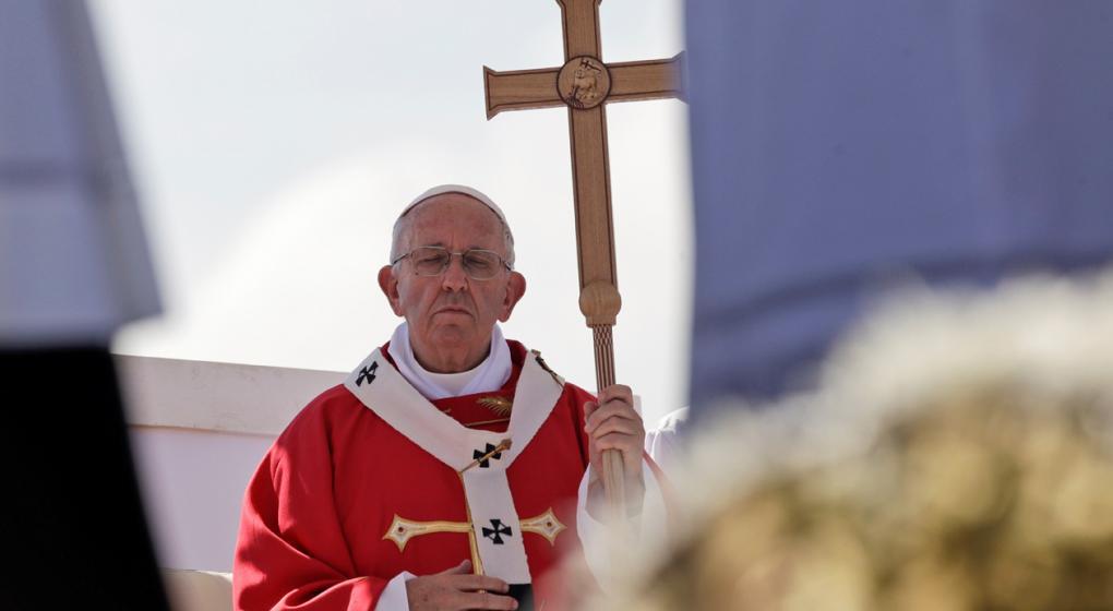 """""""No se puede creer en Dios y ser mafioso"""", dijo el Papa en Sicilia"""