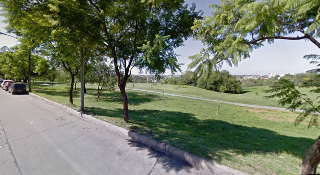 Urca: corría por el parque y salvó a una joven a la que acababan de apuñalar
