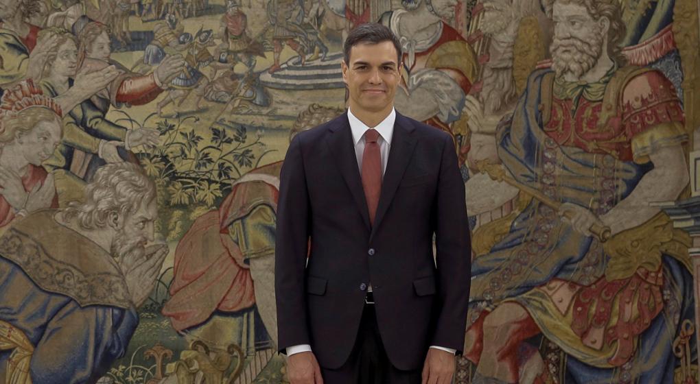 """El presidente de España niega """"rotundamente"""" que su tesis sea un plagio"""
