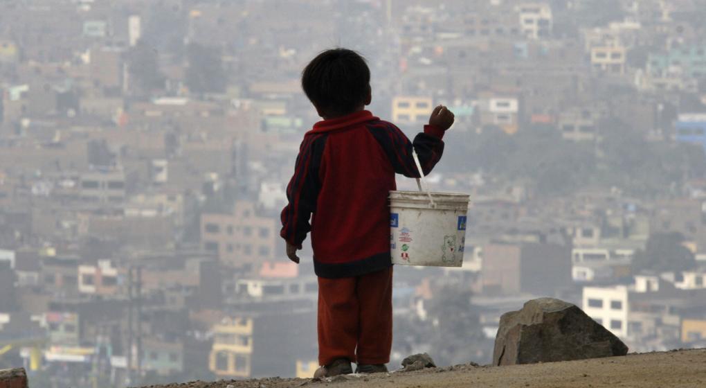 La mitad de las personas que viven en la pobreza son chicos, según la ONU
