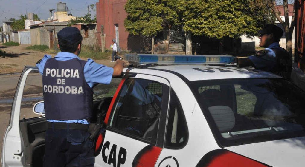 Por una pelea, condenan a un policía cordobés