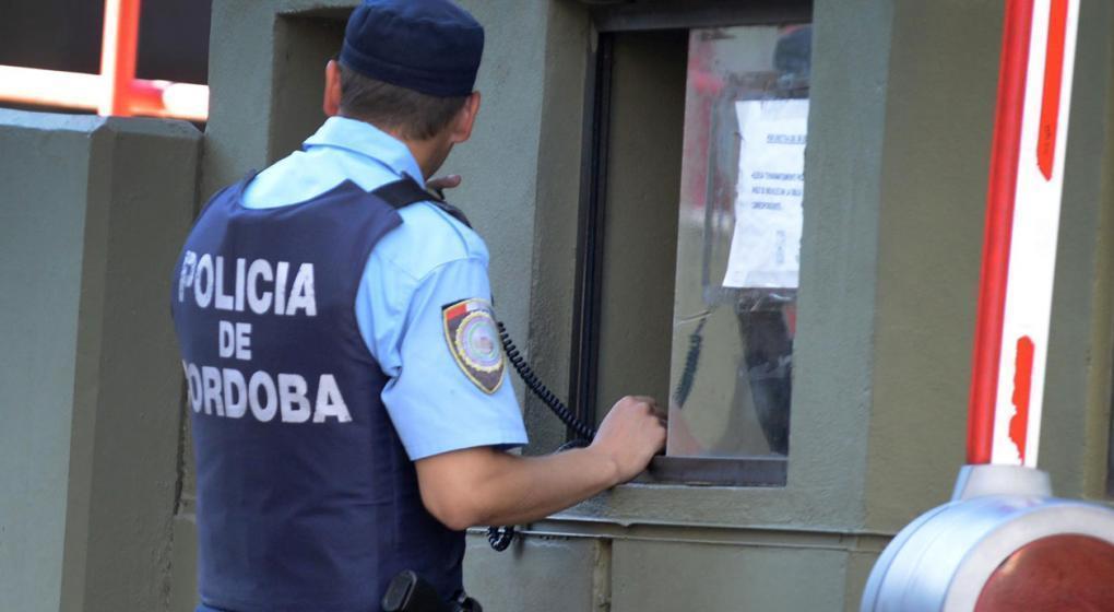 """""""Entradera"""" en barrio Ecotierra: un policía fue asaltado y baleado en el estómago"""