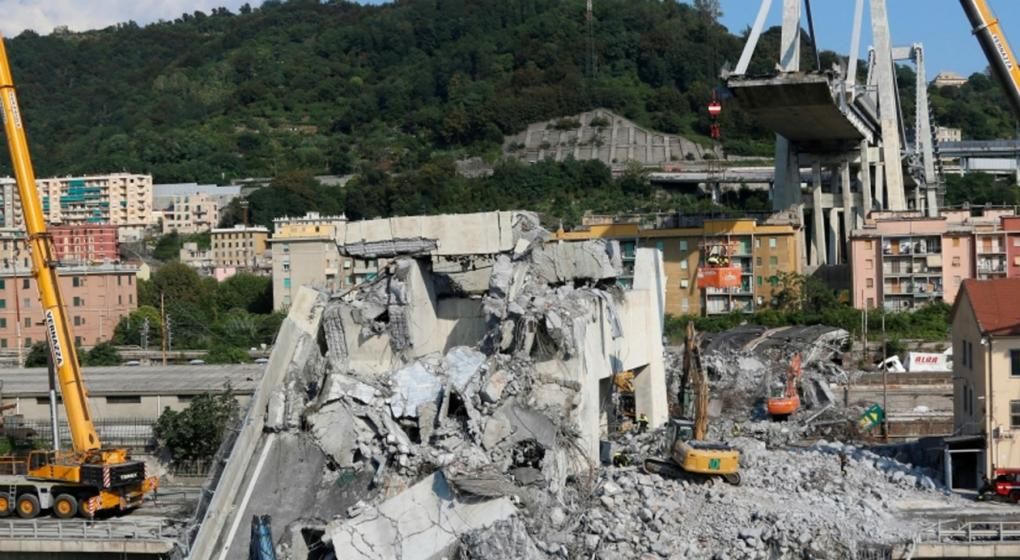 impactante video del derrumbe del puente Morandi, en Génova