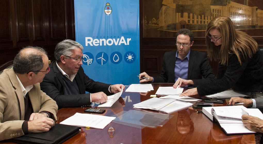 Energía renovable: de los ocho proyectos que firmaron, cuatro son para Córdoba