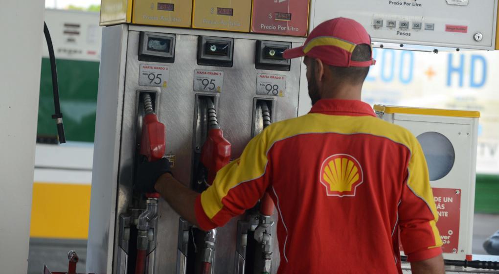 Shell baja el precio de sus naftas
